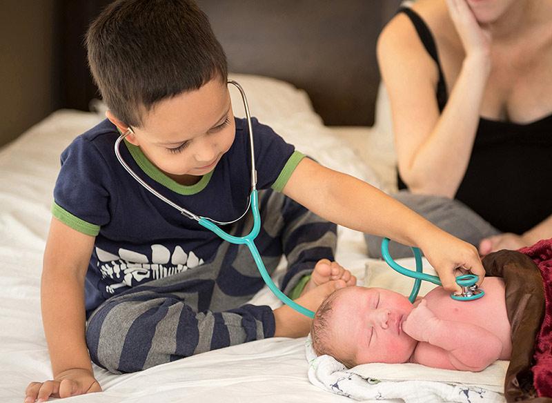 Siblings at home birth Vancouver BC